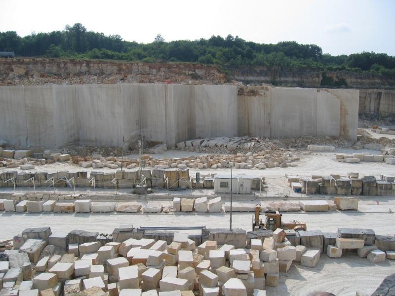 Extraction en carriere activit s pierre naturelle for Carriere de cintheaux